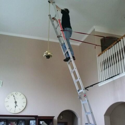 Light Bulbs In High Vaulted Ceilings, How To Change A Chandelier Light Bulb